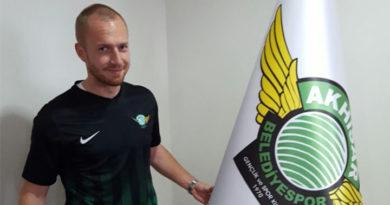 Daniel Larsson lämnar Akhisarspor – klar för Aris